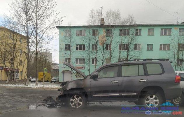 Rusiyada azərbaycanlılar arasında kütləvi dava: Kafe dağıdıldı, iki maşın yandırıldı