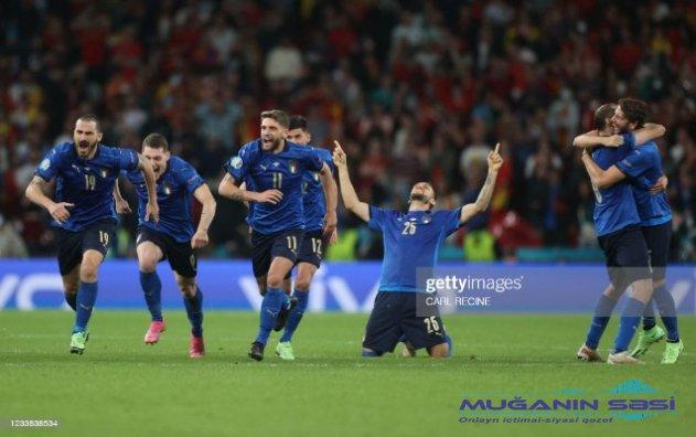 İtaliya finalda - Yenilənib